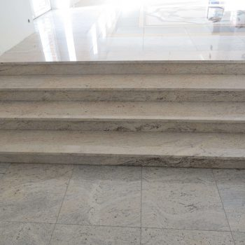Schody kamienne granitowe z materiału SHIVAKASHI