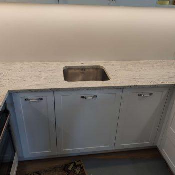Blat kuchenny z granitu RIVER WHITE