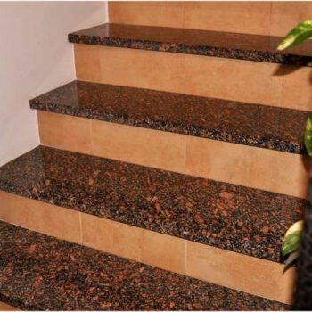 Kamienne schody z granitu KARMIN