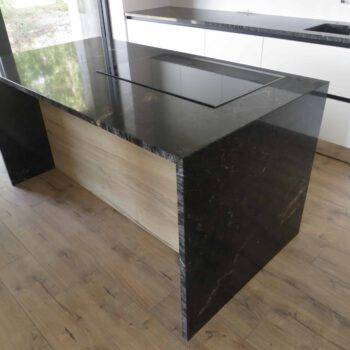 Kuchenne blaty granitowe z materiału COSMIC BLACK